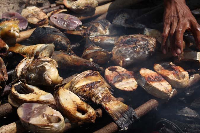 Bakar Ikan di Karimun Jawa