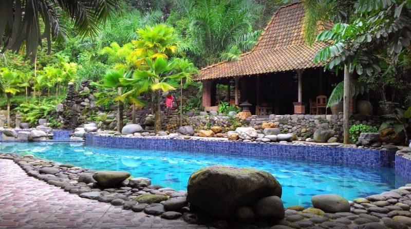 Kolam Renang Watu Gunung Semarang
