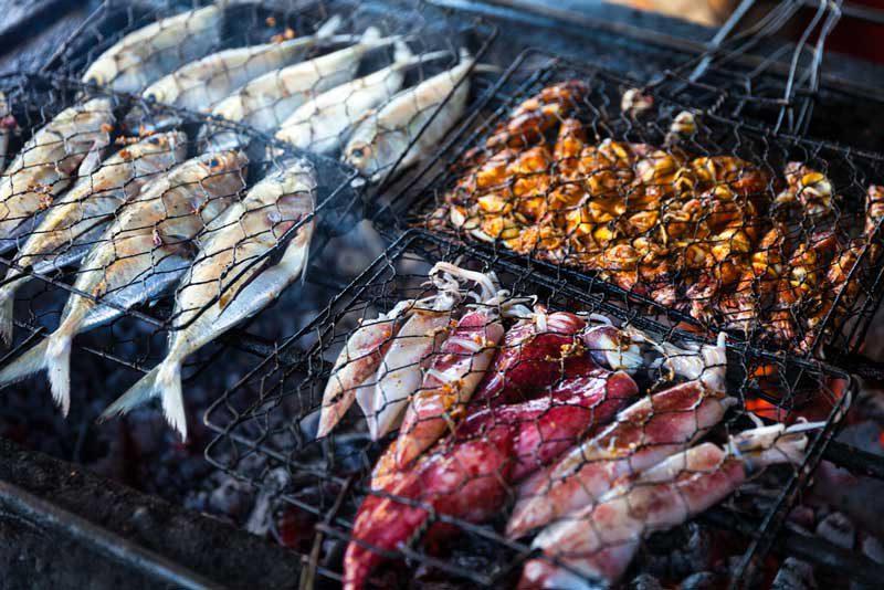 makanan-khas-Bali-di-pantai-Jimbaran