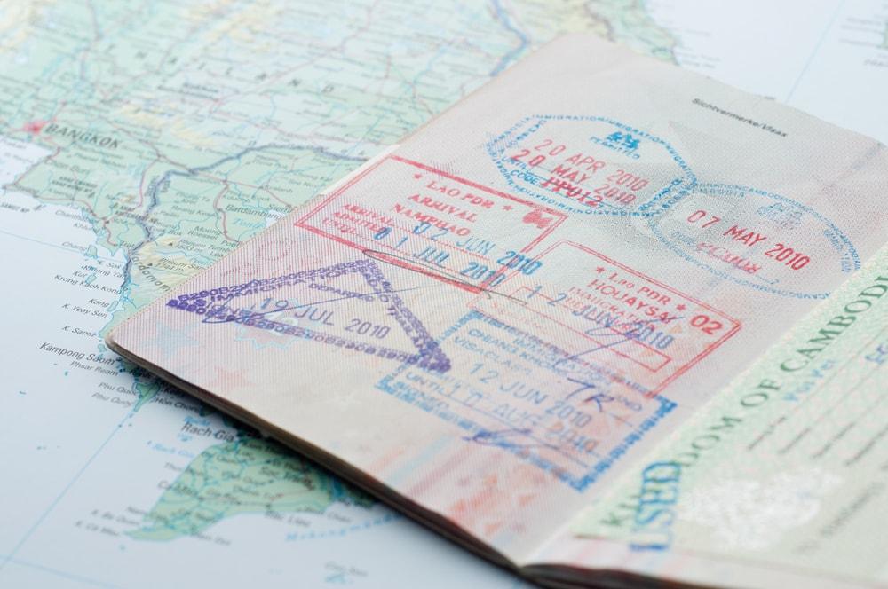 6 Desain Paspor Paling Keren di Dunia