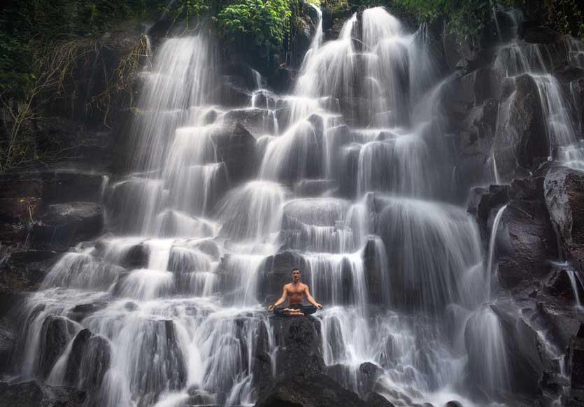 Inilah 5 Aktivitas Turis Asing Saat Traveling ke Bali