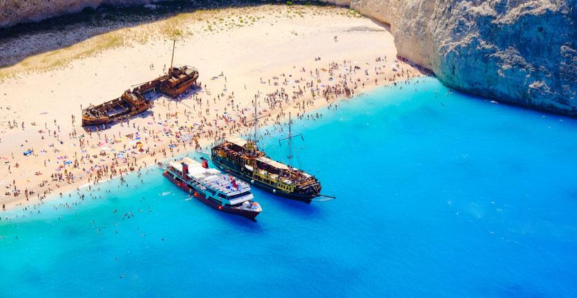 7 Pantai Terbaik di Dunia yang Memiliki Air Sebening Kristal