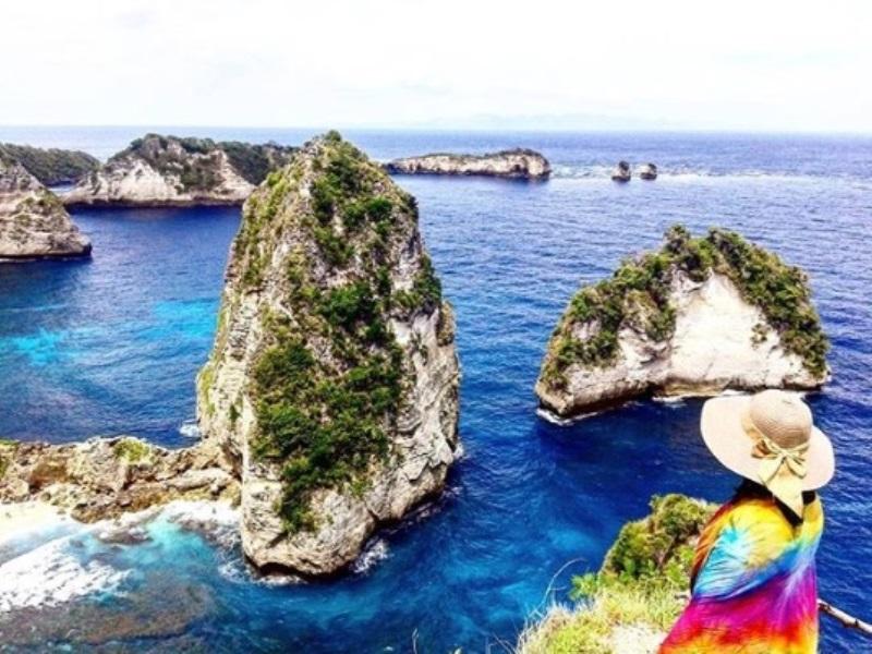 Cantiknya Pantai Atuh, Destinasi Eksotis yang Tersembunyi di Pulau Dewata