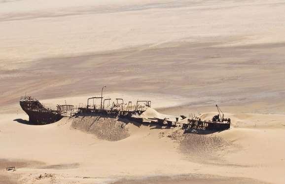 foto kapal karam
