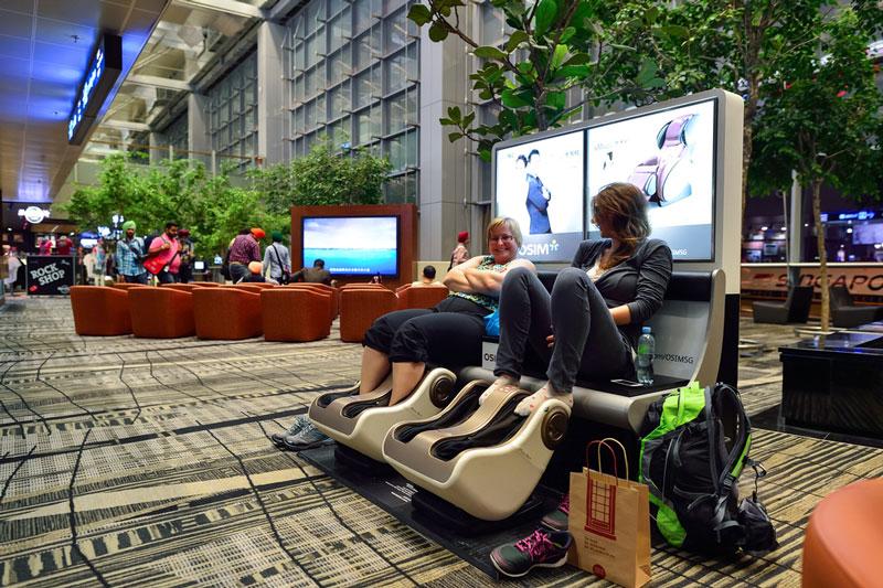 10 Cara Menghilangkan Bosan saat Terkena 'Delay' di Bandara