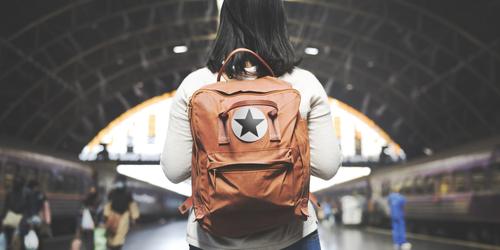 Hei Backpacker Pemula, Haram Meninggalkan 6 Barang Ini Saat Traveling!