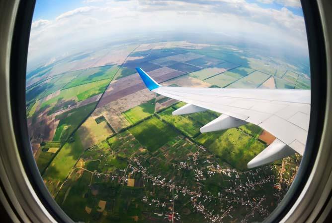 tempat duduk yang perlu dihindari di pesawat