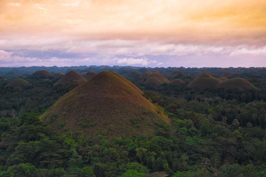 bukit cokelat di Filipina