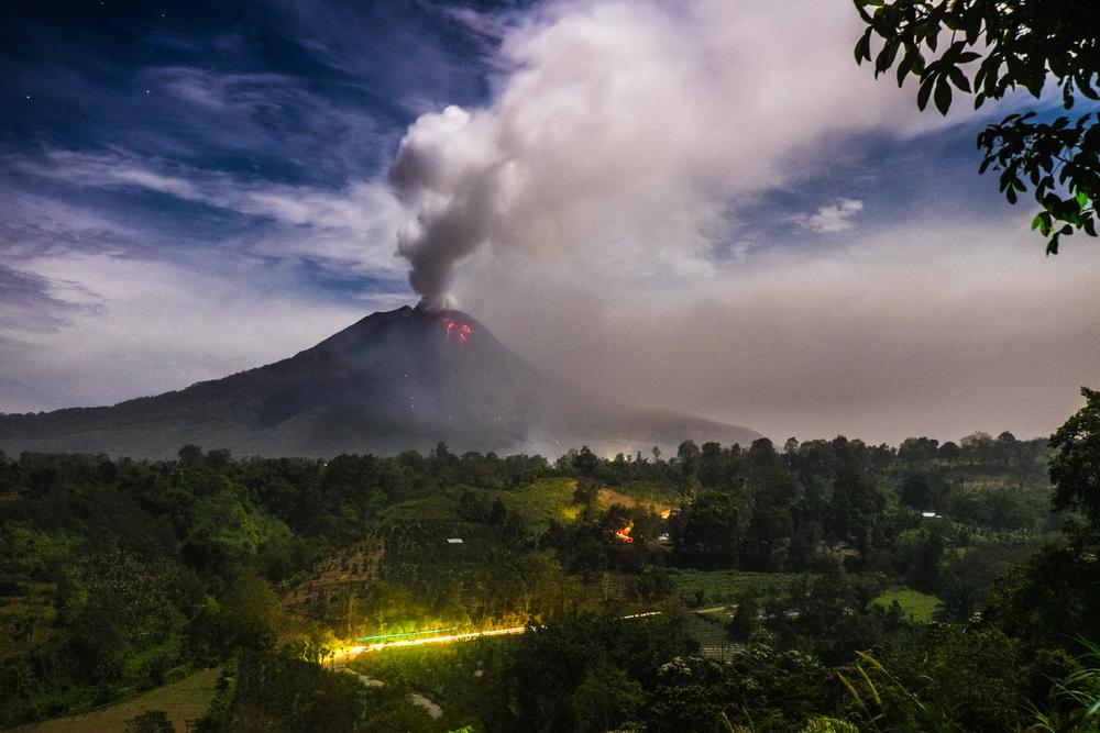 Gunung Sinabung Meletus, Asap Pekat Membumbung Hingga 5 Kilometer