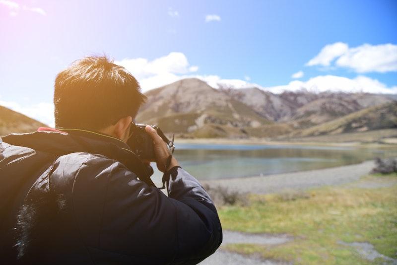 5 Tips Mendapatkan Foto Pemandangan Indah Saat Traveling
