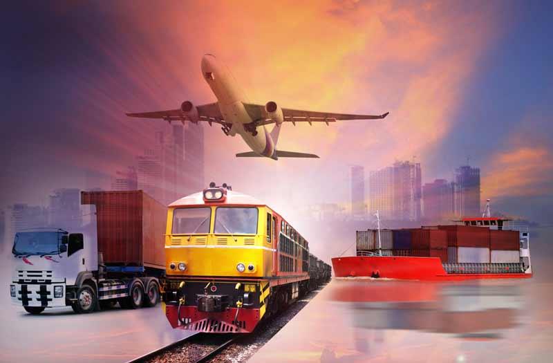 Kekurangan dan Kelebihan Mudik dengan Kereta Api Vs Pesawat