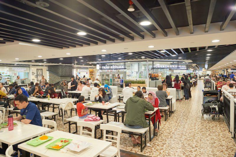 Cari Tempat Makan Murah di Bandara Changi? Mampir Saja ke Sini…