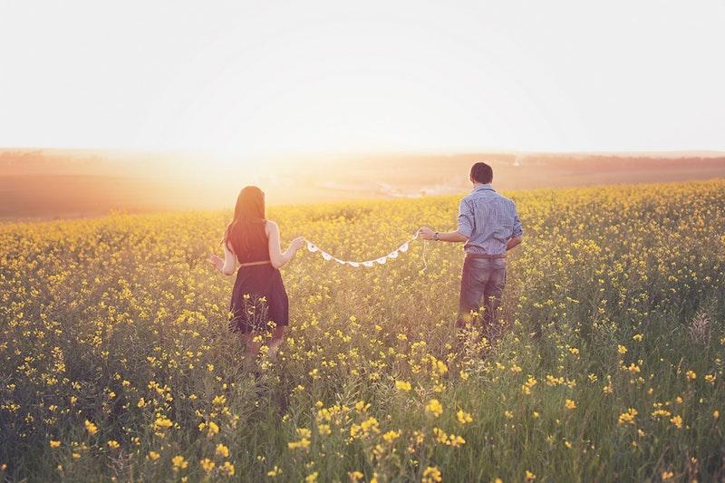 Selain Menyenangkan, Ini 6 Manfaat Traveling Bareng Pasangan