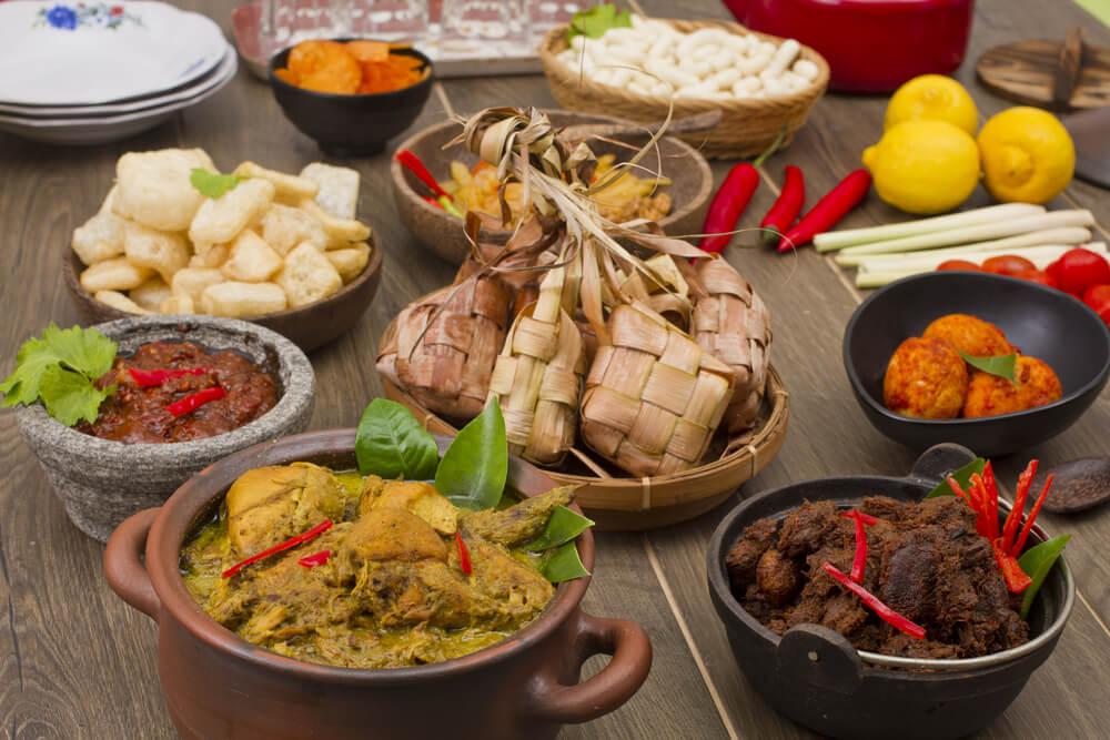Teman Makan Ketupat, Inilah 10 Hidangan Wajib Lebaran Khas Nusantara