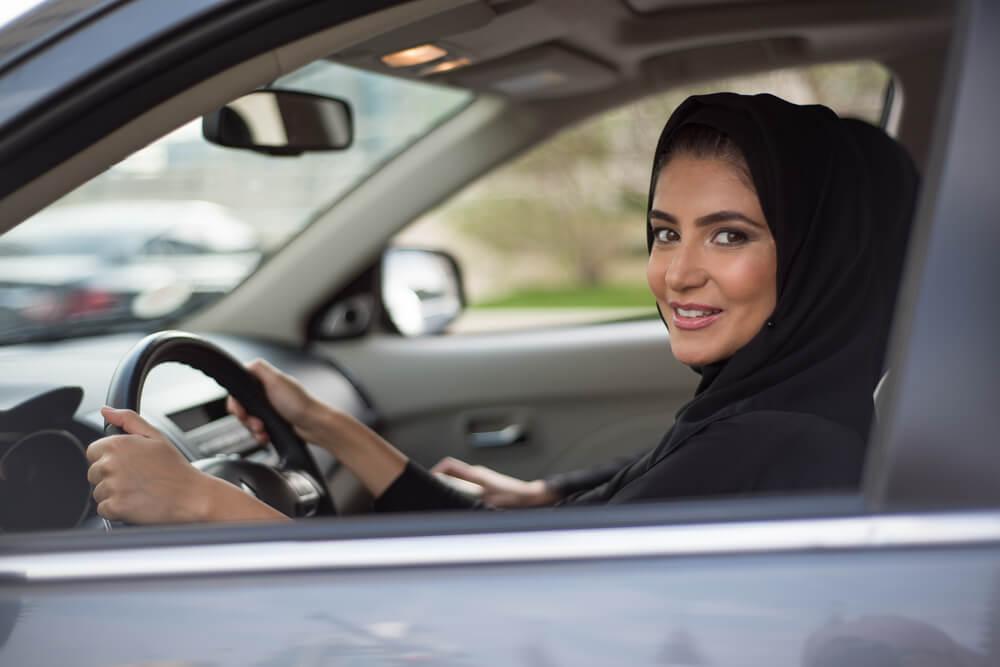 Perempuan Arab Saudi Menyetir