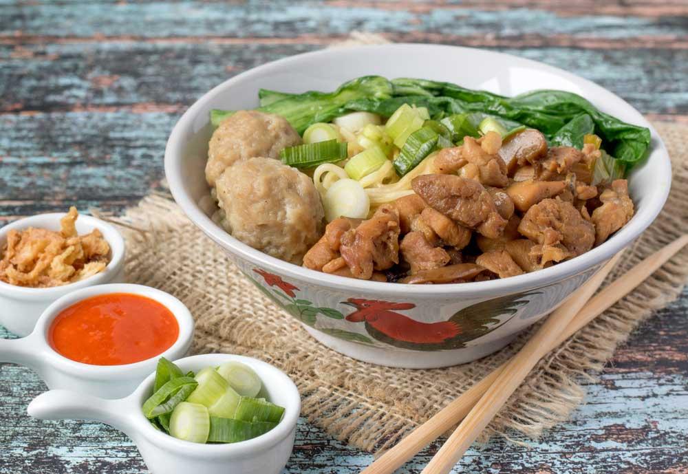 Wajib Dicoba, Ini 8 Kedai Mi Ayam Enak di Surabaya