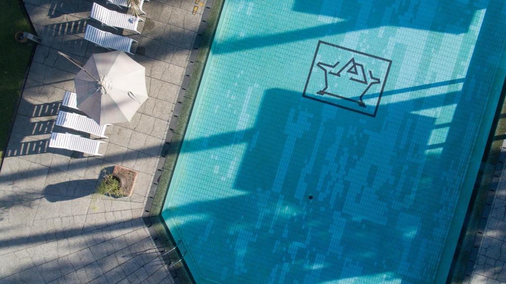 hotel di lembang dengan kolam renang