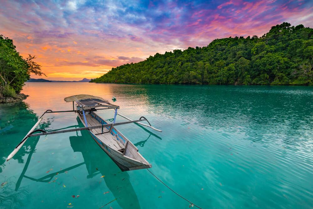 10 Destinasi Wisata Wajib di Tanah Sulawesi, Banyak Pantai Cantik Nih!