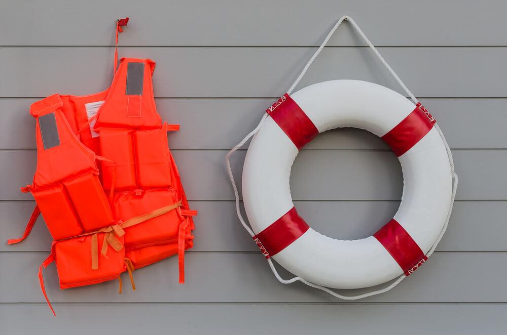 Cara Menyelamatkan Diri dari Kapal yang Tenggelam