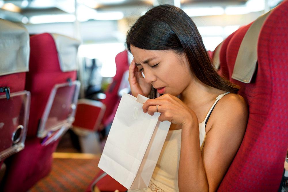 Lakukan 7 Hal Ini Agar Tidak Mabuk Saat Naik Kapal Ferry