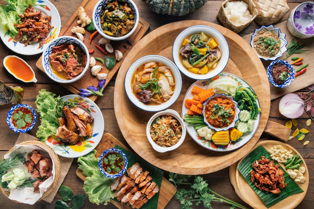 Mau Coba Tantangan? Ini 5 Makanan Khas Thailand yang Harus Kalian Rasakan