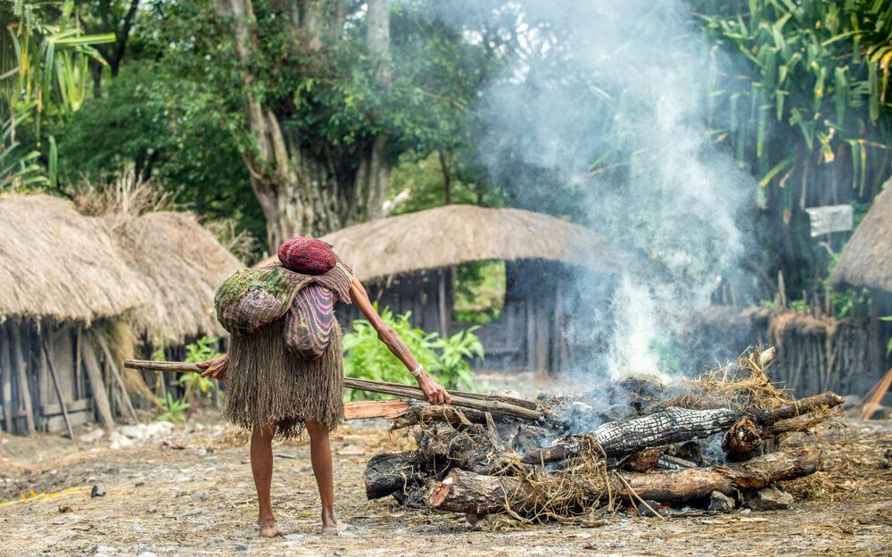 Langka! 4 Tradisi Unik yang Bisa Kalian Temukan di Papua