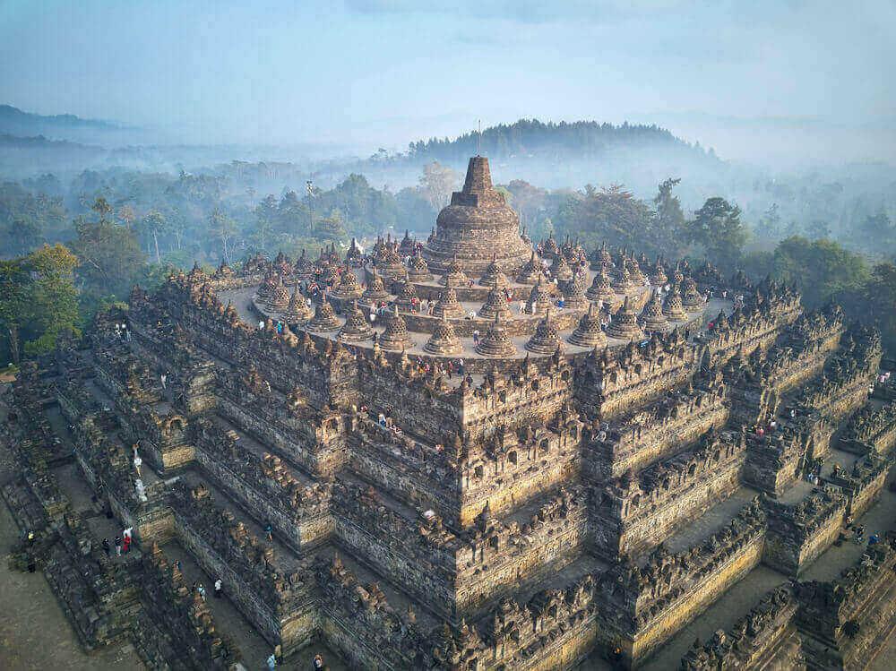 Sejarah Candi Borobudur dan 9 Candi Populer lainnya di Pulau Jawa