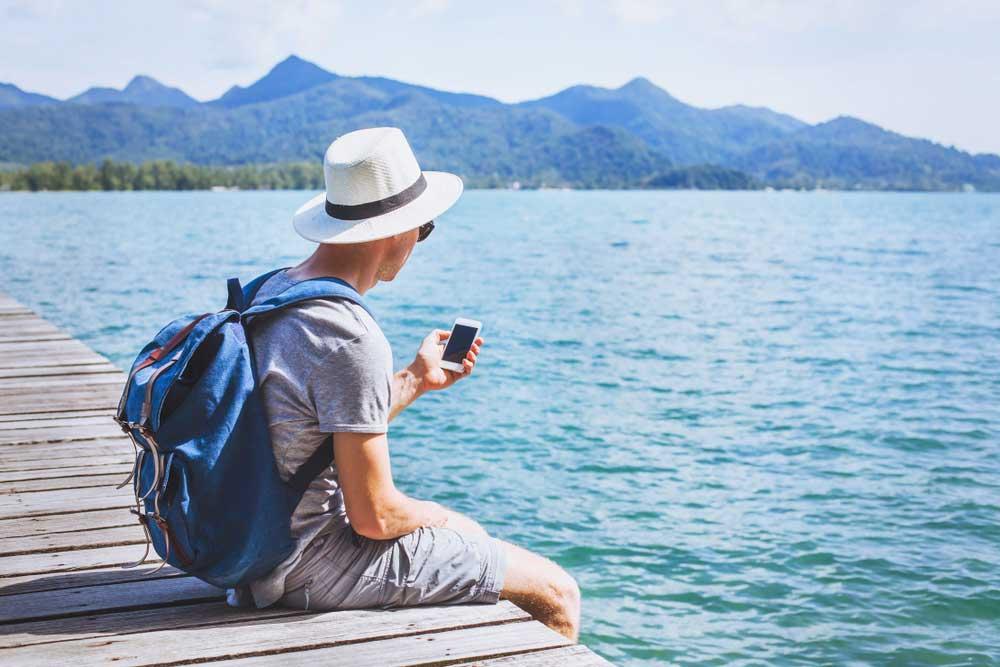 8 Aplikasi Android yang Wajib Dimiliki Para Traveler