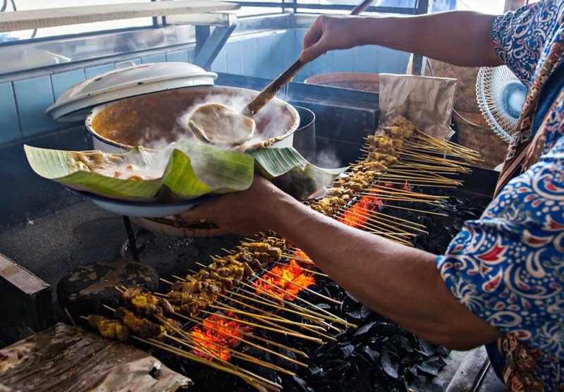 Daftar 7 Makanan Khas Sumatra Barat Ini Wajib Kalian Coba