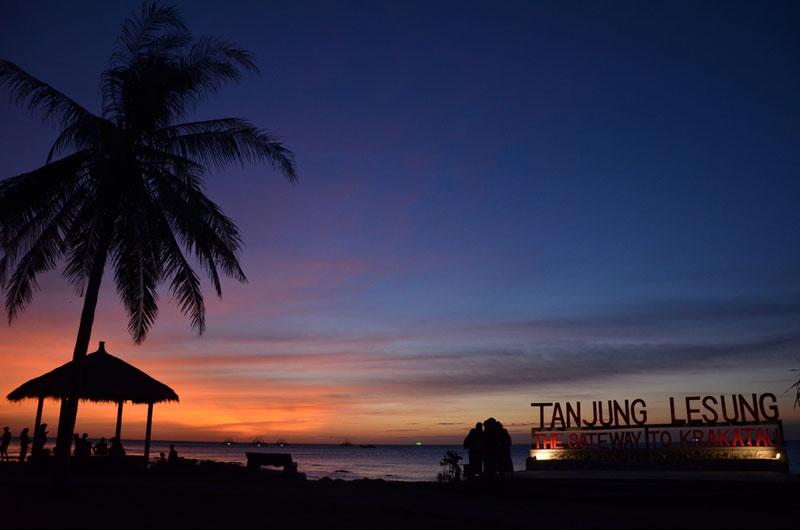 Libur Telah Tiba, Yuk Cobain Wisata Pantai di Banten