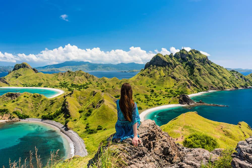 Jangan Ngaku Travel Blogger Jika Belum Kunjungi 15 Tempat Wisata di Indonesia yang Terkenal Ini