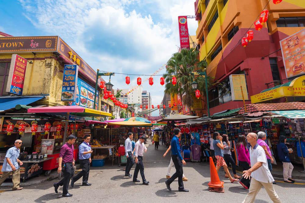 5 Tempat Belanja Oleh-oleh di Malaysia
